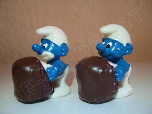 Negerkuss Schlumpf mit blau bemaltem Mund